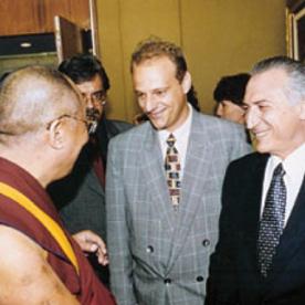 ewandro_dalai_lama_m_temer